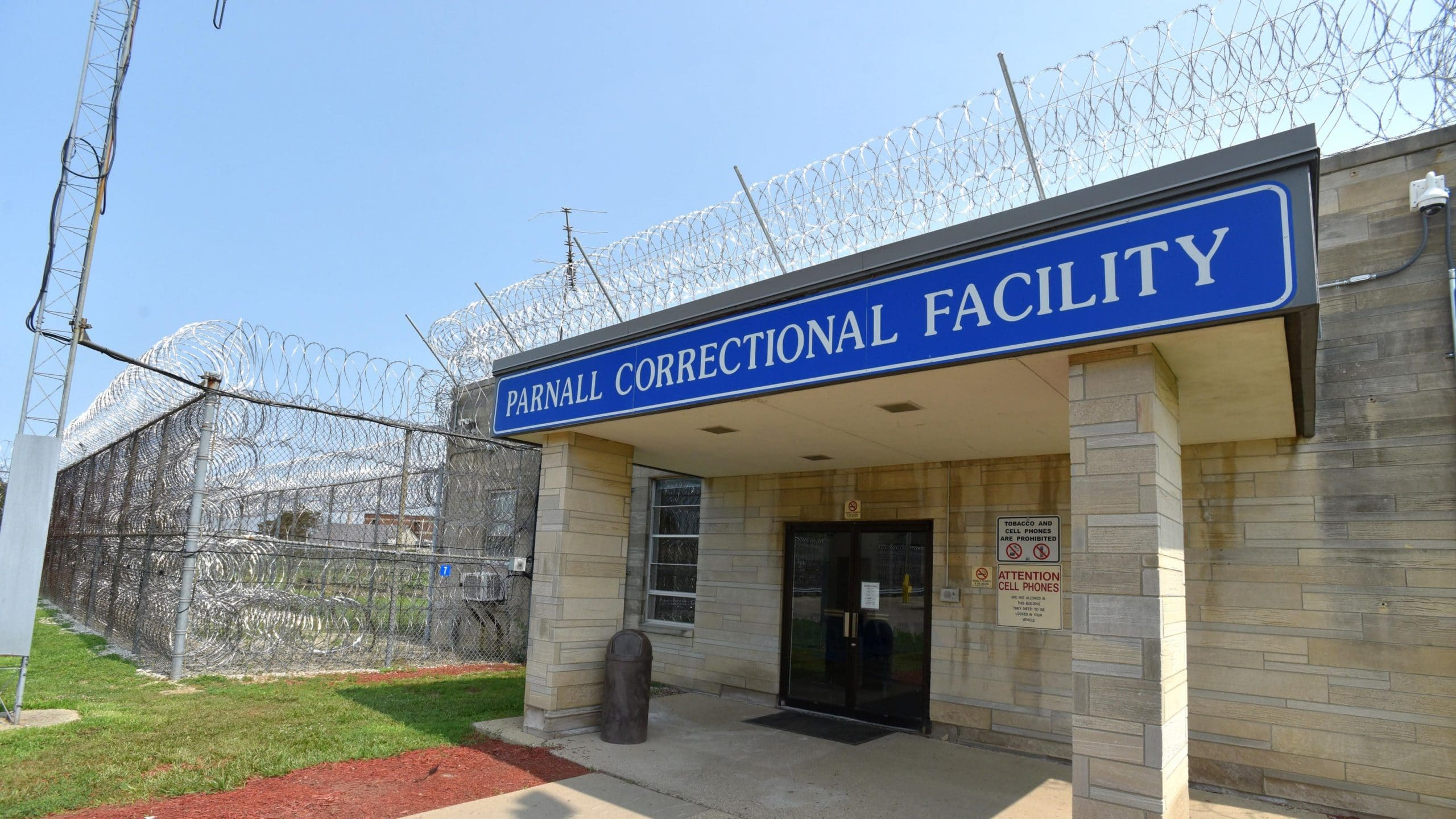 Image of razor ribbon and commercial chain link security fencing at Parnall Correctional Facility