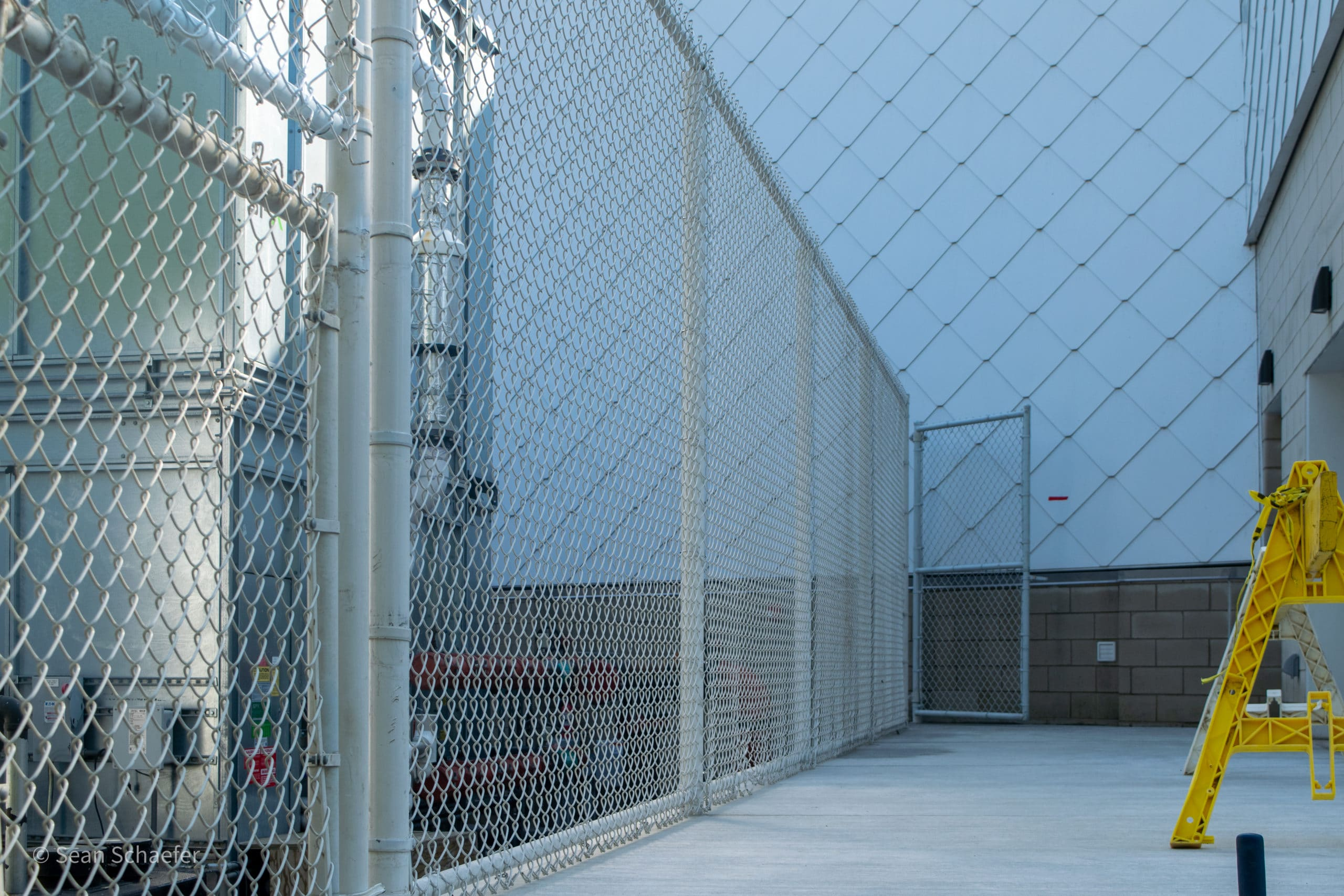 Image of commercial chain link fencing and gates at the Detroit Zoological Society