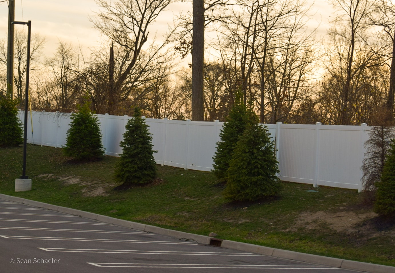 Image of PVC / vinyl privacy fencing at Staybridge Suites